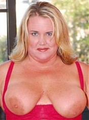 Hot bubble butted BBW takes a thick black pipe in her pooper!