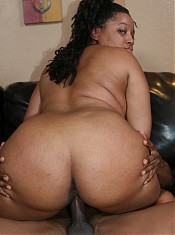 Cute black BBW Jasmine works her fat ass before an intense live sex show in the living room